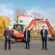 Spatenstich Umbau Hoeschpark Bagger